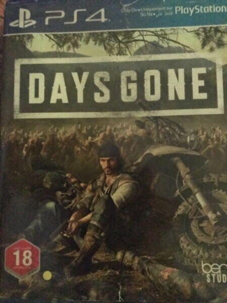 Used FIFA20+DAYS GONE FOR PS4 in Dubai, UAE