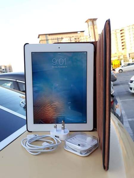 Used Apple IPad2 With Sim (cellular) in Dubai, UAE