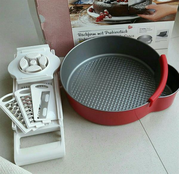 Used Cake Mold And Vegetables Cutter in Dubai, UAE