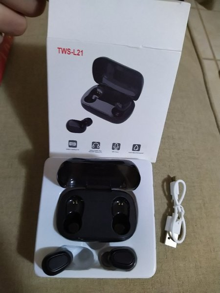 Used Brand new black earpod with charger case in Dubai, UAE