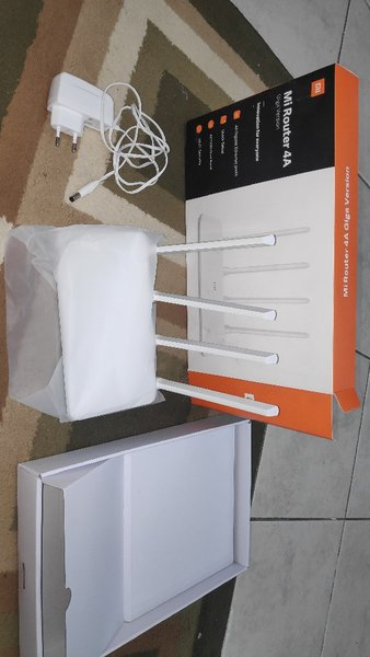 Used Xiaomi mi 4A router in Dubai, UAE