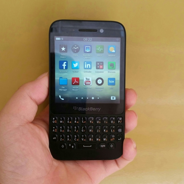 Blackberry Q5 Used Mobile Only, 2 GB Ram 8 GB Memory.