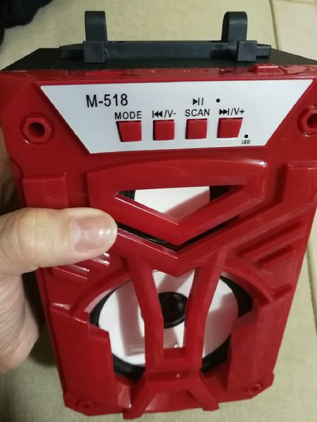 Used New high sound beautiful red speaker in Dubai, UAE