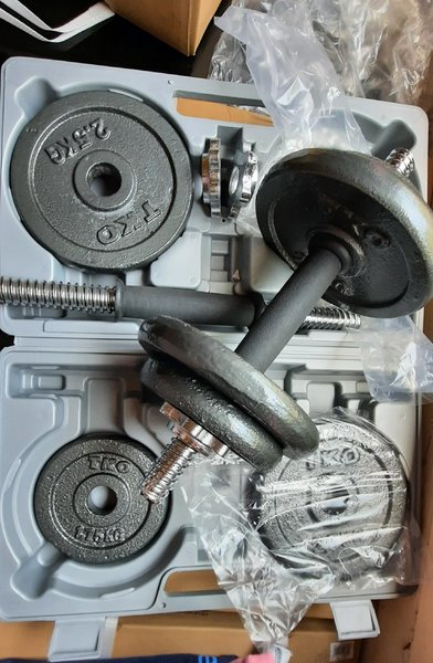 Used Dumbbells with Case 20kg in Dubai, UAE