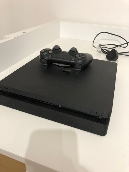 Used PS4 CONSOLE in Dubai, UAE