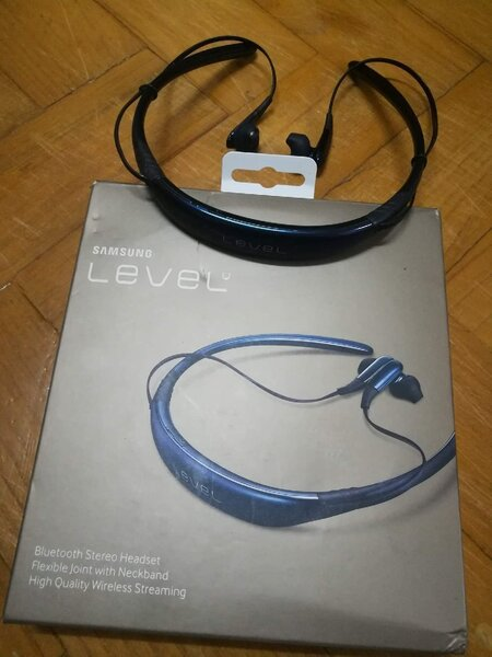 Used Buy now..Levelu Headset better deals.. in Dubai, UAE