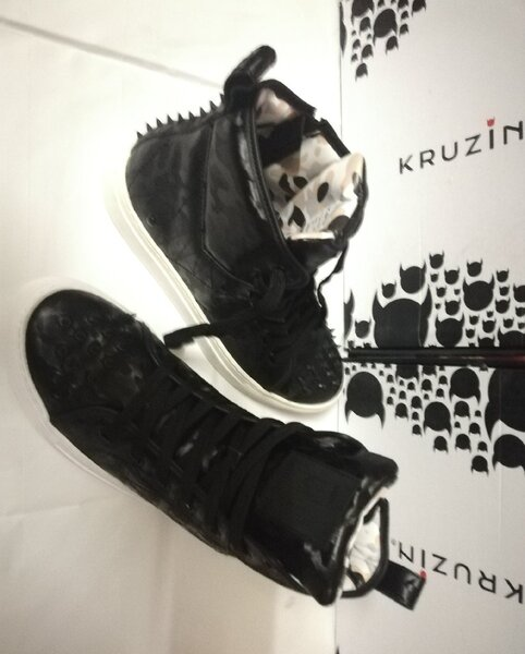 Used Kruzin New NEO Horse shoes.        _ in Dubai, UAE
