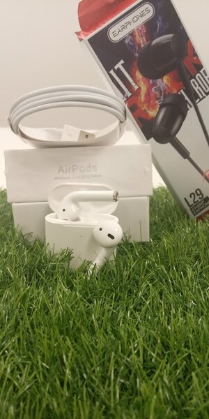 Used Airpods Generation 2 in Dubai, UAE