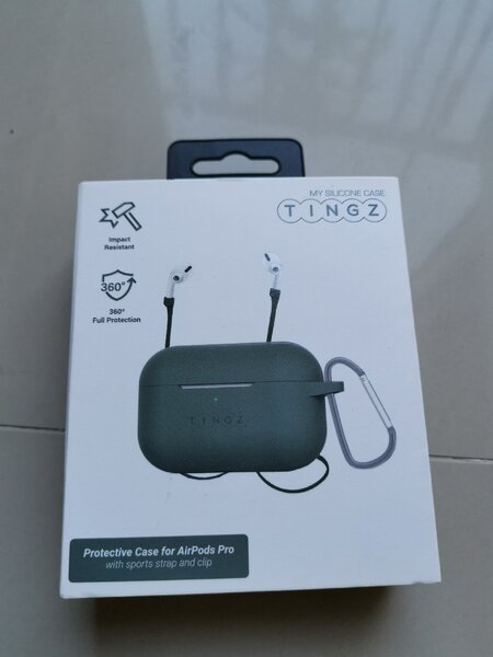 Used Brand new AirPods Pro case never used in Dubai, UAE
