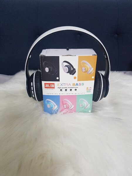 Used JBL headphones....... in Dubai, UAE