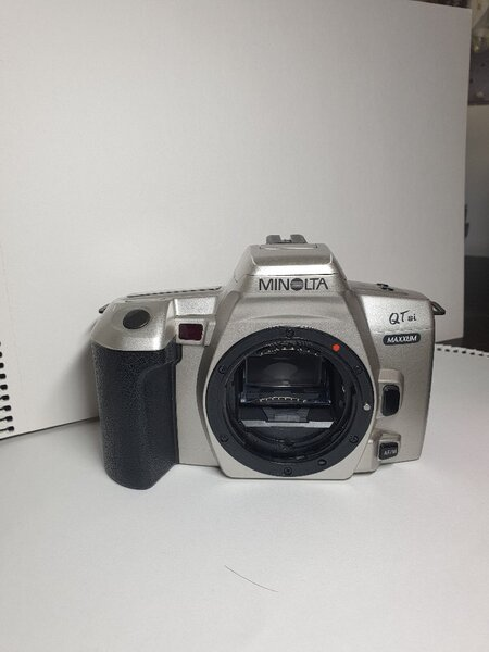 Used Minolta camera in Dubai, UAE