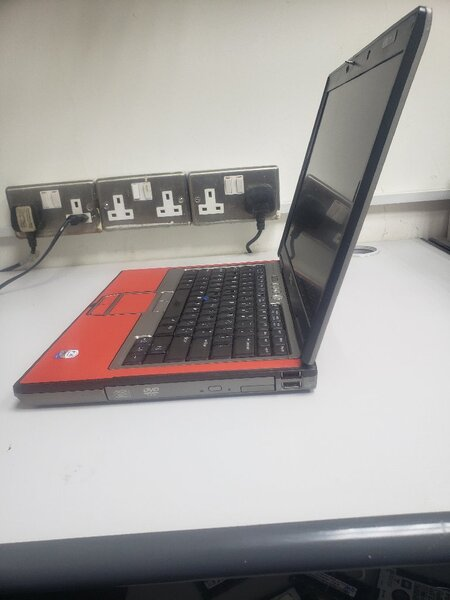 Used Dell LATITUDE with camera wifi bag in Dubai, UAE
