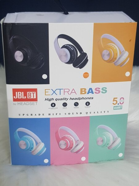 Used JBL headphones EXTRA bass) in Dubai, UAE