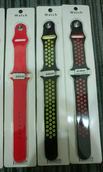 Used OFFER 1pair straps 1Extra BASS Ear in Dubai, UAE