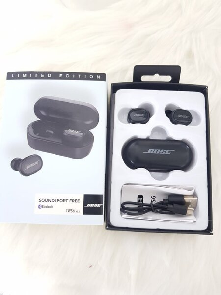 Used TWS6 Earbuds with charging box t in Dubai, UAE