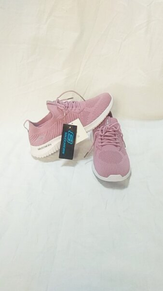 Used Skechers shoes size 39 new in Dubai, UAE