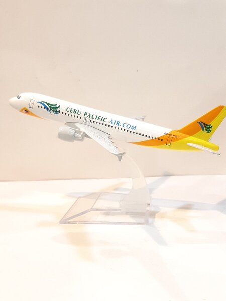 Used Cebu Pacific Aircraft - 100% Die Cast 😎 in Dubai, UAE