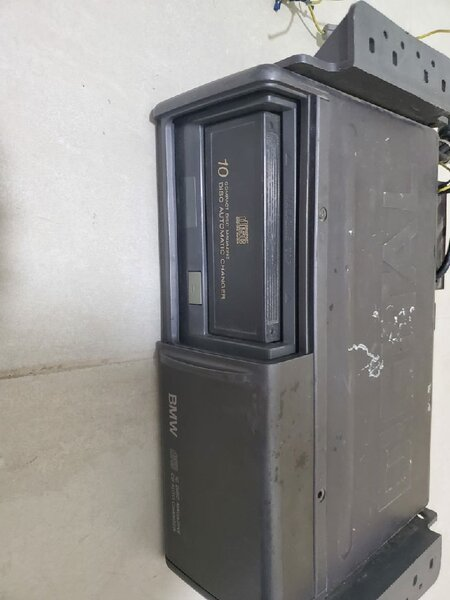 Used BMW CD changer for sell in Dubai, UAE