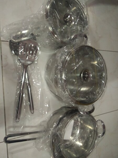 Used Stainless steel cookware set in Dubai, UAE