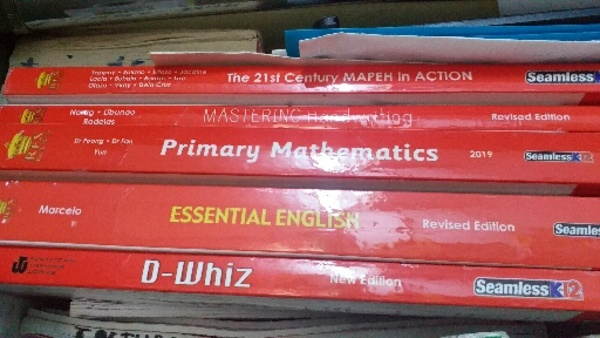 Used 5 books for grade 4 selling for 500 in Dubai, UAE