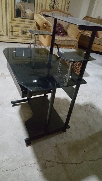 Used Computer desk. Please contact 0524939672 in Dubai, UAE