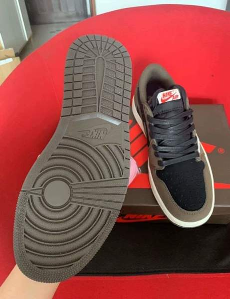 Used JI Travis Scott shoes in Dubai, UAE