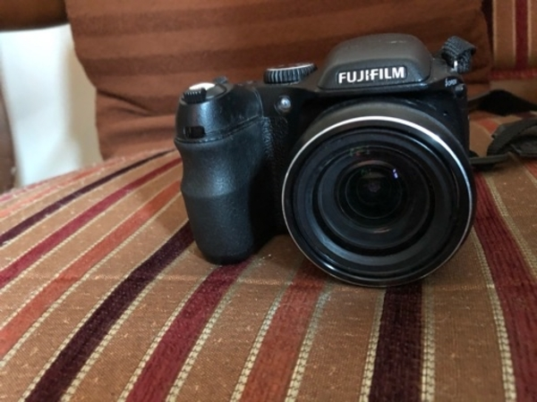 Used Digital camera finepix S2000HD(Fujifilm) in Dubai, UAE