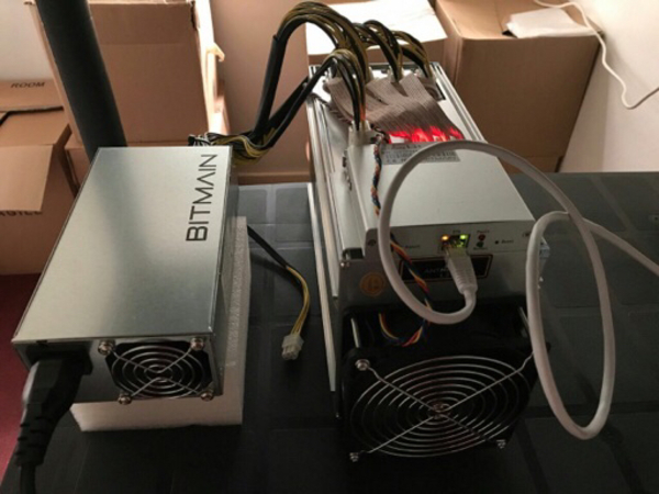 Used Antminer Bitmain S9 Bitcoin Mining S9 in Dubai, UAE