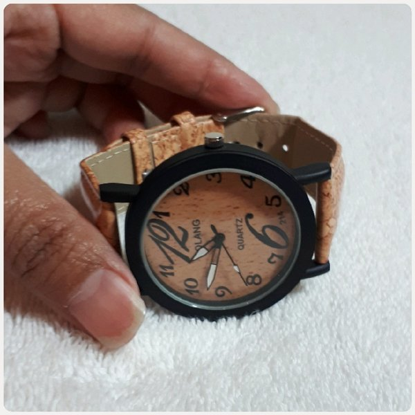 Used BOLANG WATCH BROWN FOR HER in Dubai, UAE