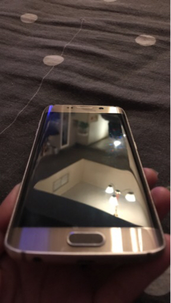 Used Samsung s6 32gb with charger headset box in Dubai, UAE