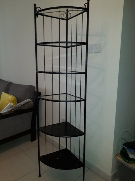 Used Display Stand in Dubai, UAE