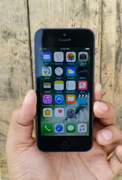 Used Apple IPhone 5 16GB With facetime Good Condition in Dubai, UAE