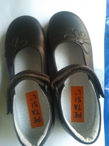 Used Girls school shoes in Dubai, UAE