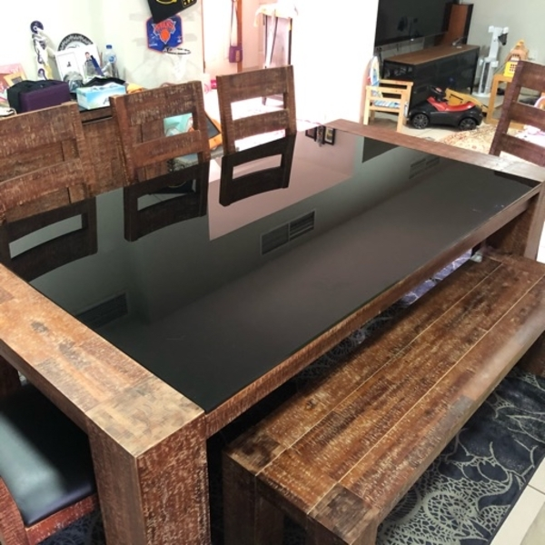 Used Real wood table for 8 ppl in Dubai, UAE