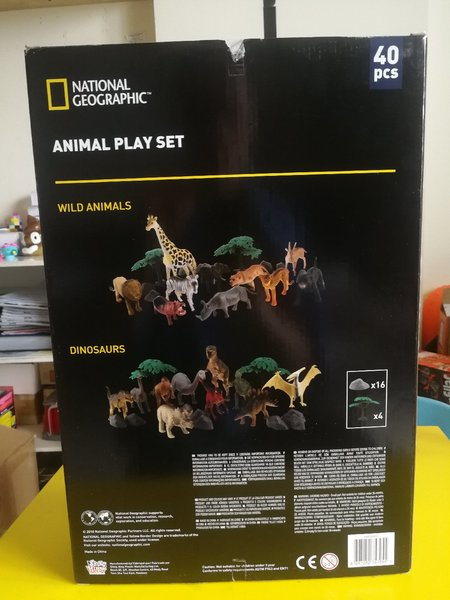 Used New authentic National Geographic set in Dubai, UAE
