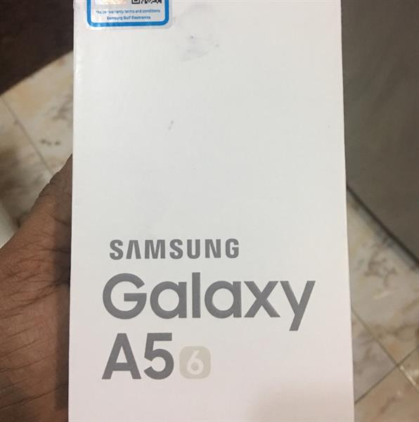 Used Samsung A5 6 Pack Unit Sealed Unwanted Gift Made In Vietnam  in Dubai, UAE