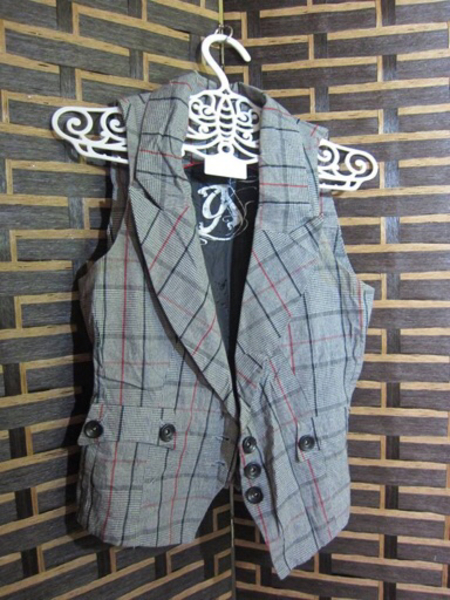 Used 5 pcs jackets and vest.  in Dubai, UAE