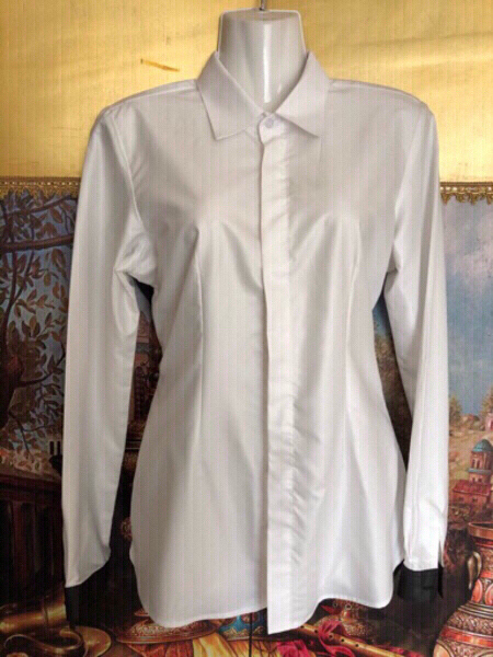 Used Blouse size S in Dubai, UAE