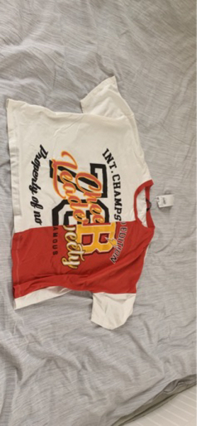 Used Brand new t-shirt with labels on size M in Dubai, UAE