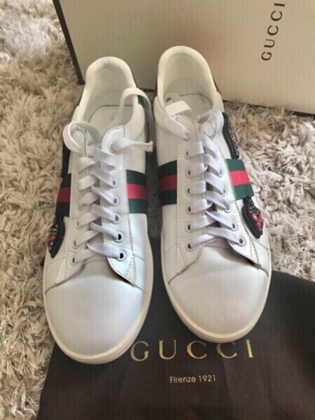 Used GUCCI LEATHER SNEAKERS..WORN ONCE.. SZ40 in Dubai, UAE