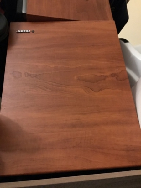 Used Jamo speakers with sub and a gift in Dubai, UAE