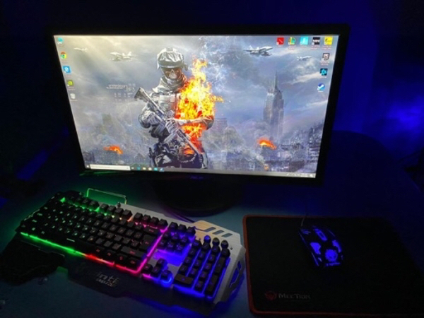 Used Gaming pc(full set) in Dubai, UAE