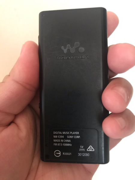 Used Sony MP4 player and Sony wired Headphone in Dubai, UAE