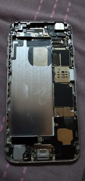 Used Iphone 6 motherboard and parts no batter in Dubai, UAE