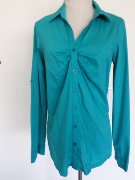 Used Women shirt in Dubai, UAE