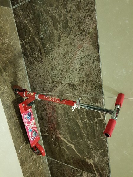 Used Hardly used Children's scooter for sale in Dubai, UAE