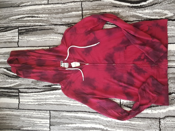 Used Medium VS pink hoodie jacket in Dubai, UAE
