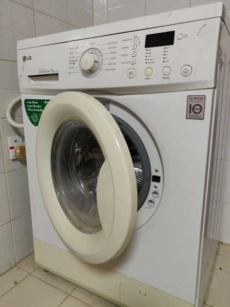 Used Fridge, washing machine, cabinet in Dubai, UAE