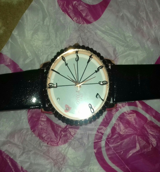 Used Girls Watch Not Used...new...packed.. in Dubai, UAE