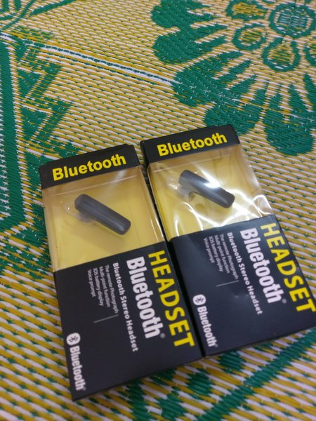 Used 2 pcs Bluetooth headset tc in Dubai, UAE